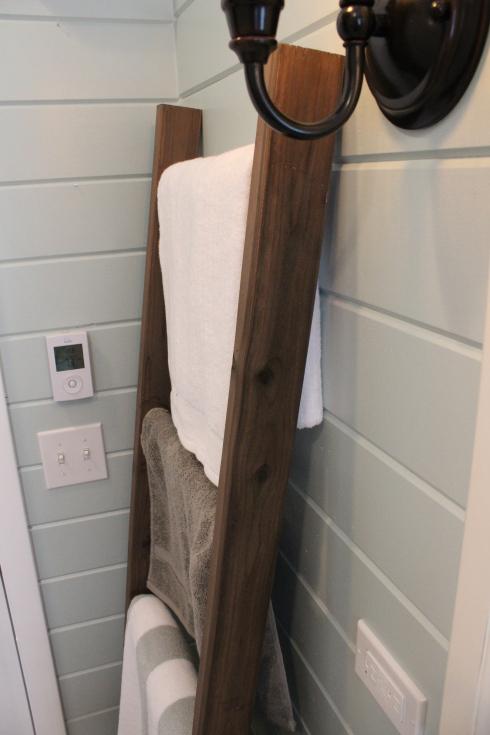 Towel Rack from 12 Oaks Blog