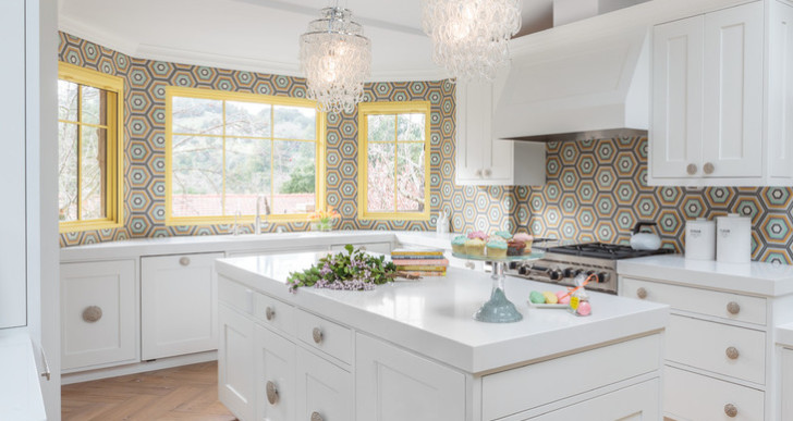 A California Kitchen Goes from Beige to Bright